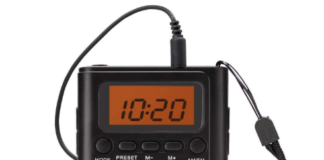This is an image of horloge portable pocket radio in black color