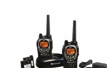 An image of the Midland GXT1000VP4 walkie talkie, black